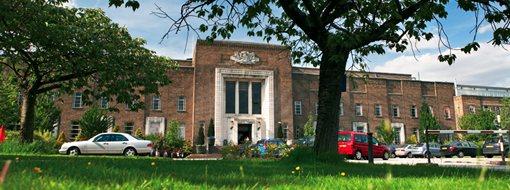 英國伯明翰大學醫學院