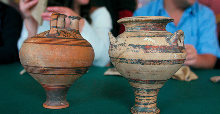 Picture of two ancient vases