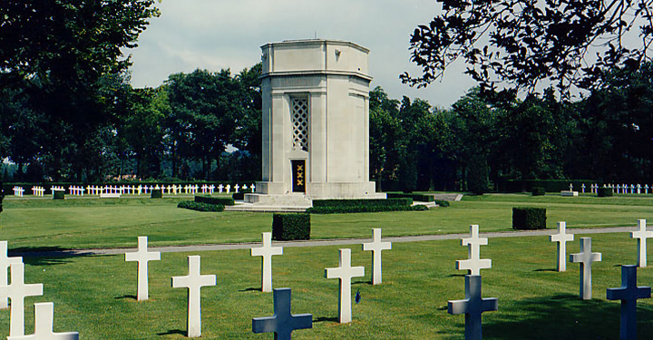 american memorial and cemetary for those lost at flanders fields in the first world war