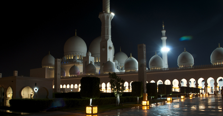 Sheikh Zayed Grand Mosque, Abu Dhabi by Eesa Latif