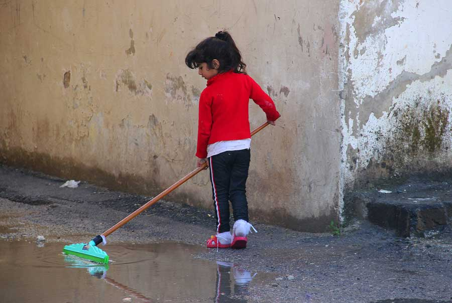 11-girl-mopping