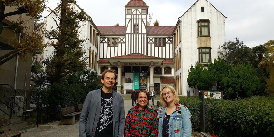 Angus Jackson, Professor Tiffany Stern, and Dr Rosie Fielding, at Waseda, November 2018