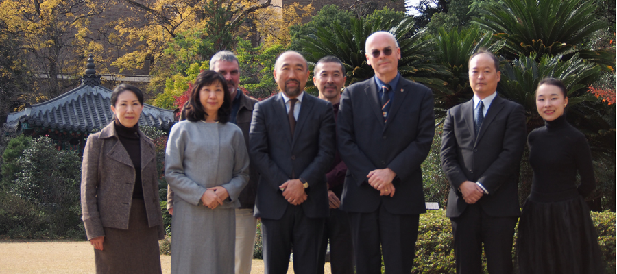 Professor Micheal Dobson meeting contemporaries in Waseda