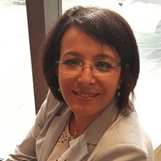 Photograph of Dr Anissa Daoudi