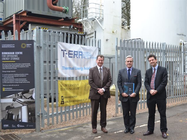 Mark Garnier MP visits energy storage plant