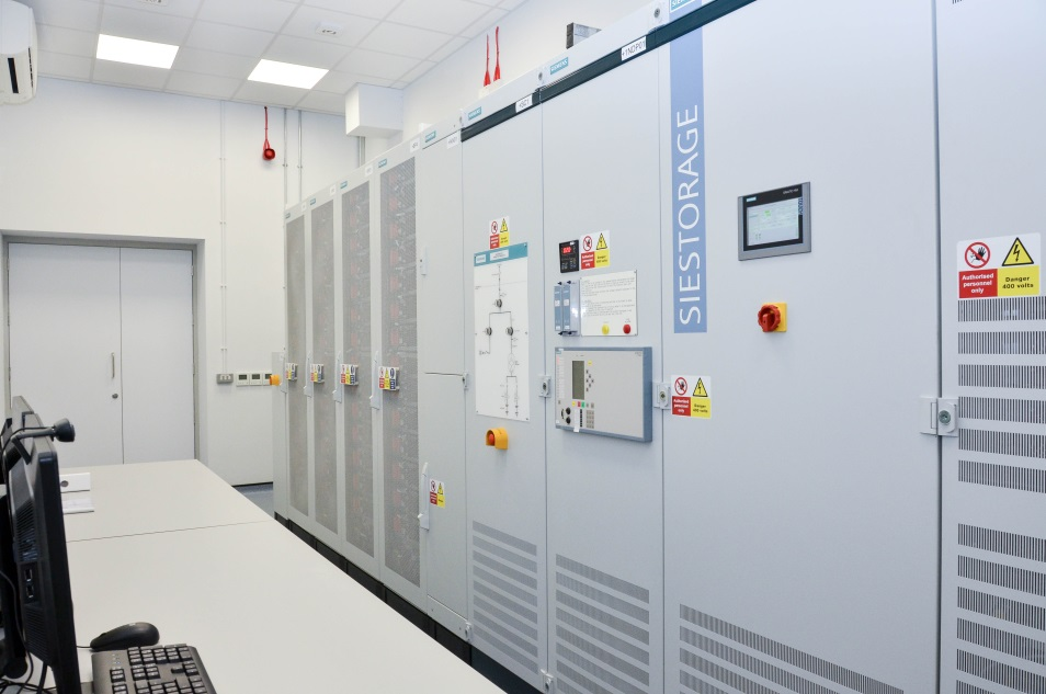 A fully-instrumented, programmable high-power (200 kW 240 kVA 180 kWh) AC grid connected energy storage system