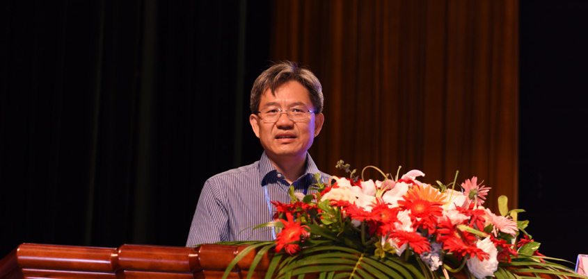 Professor Yulong Ding speaking at the UK-China International Particle Technology Forum VI