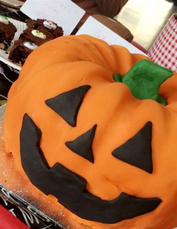 University of Birmingham ChemSoc Halloween Bake Sale pumpkin cake