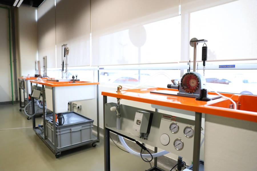 Mechanical Engineering lab equipment - University of