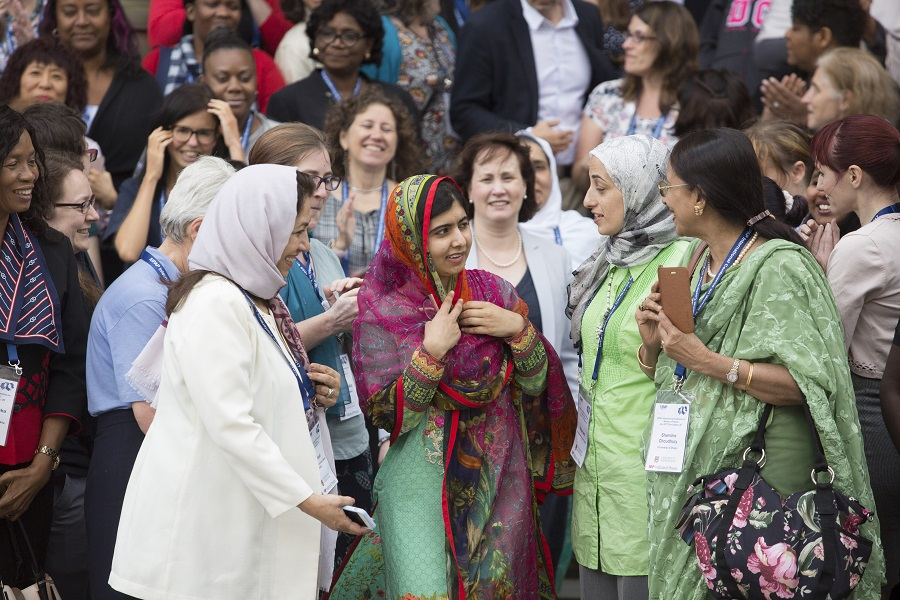 Malala Yousafzai with group of female physicists