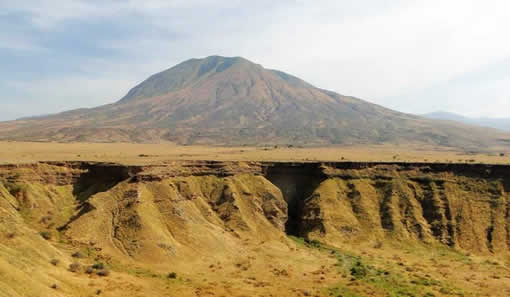 Modern day groundwater discharge on the flanks of Oldonyo Lengai volcano in Northern Tanzania