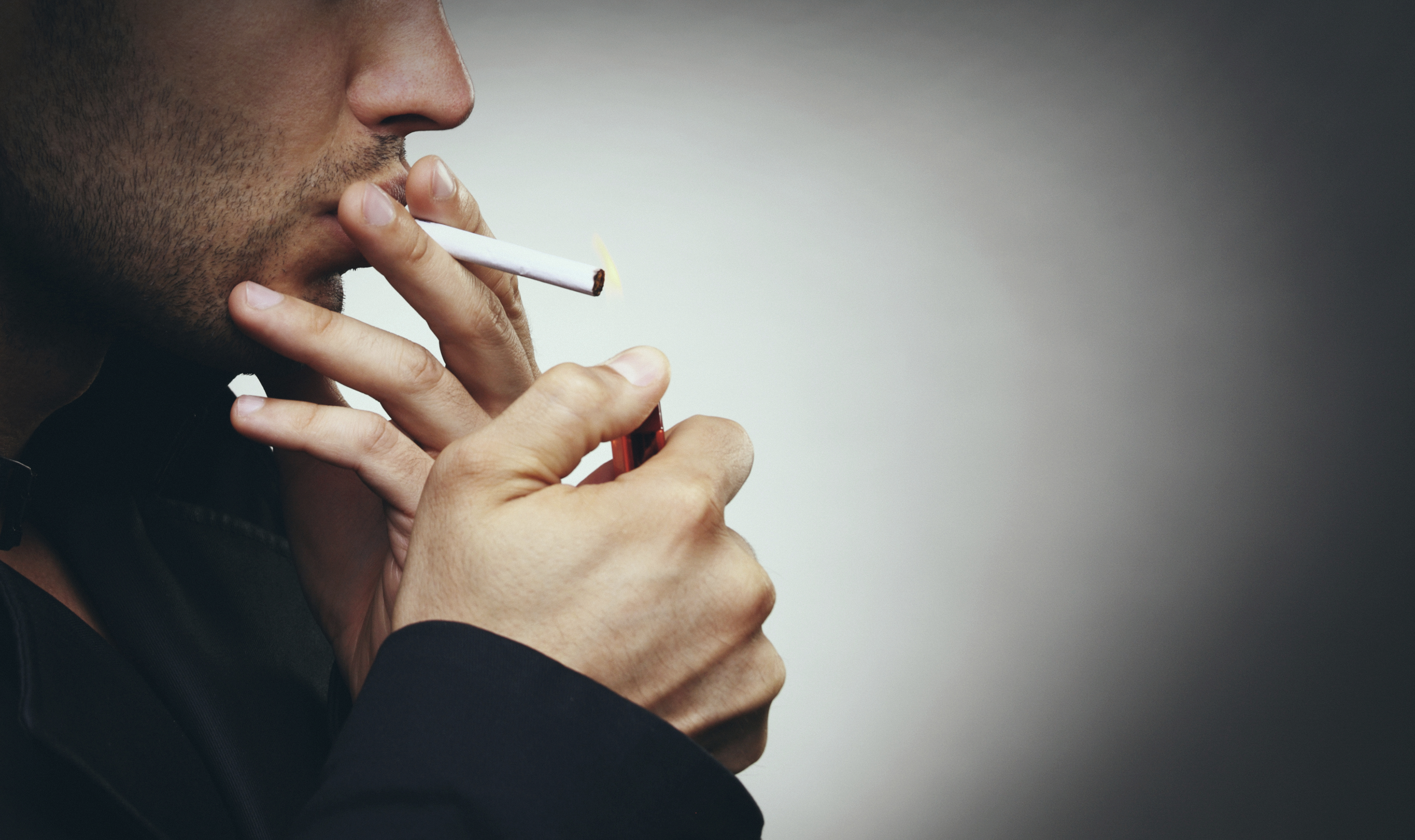 E-cigarette vapour disables key immune cells in the lung and