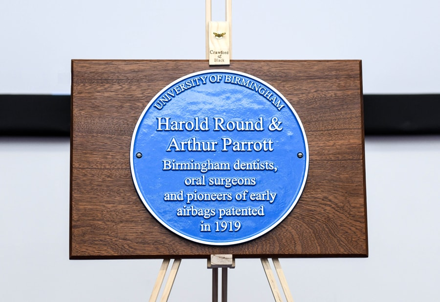 dentistry-blue-plaque-900px-min