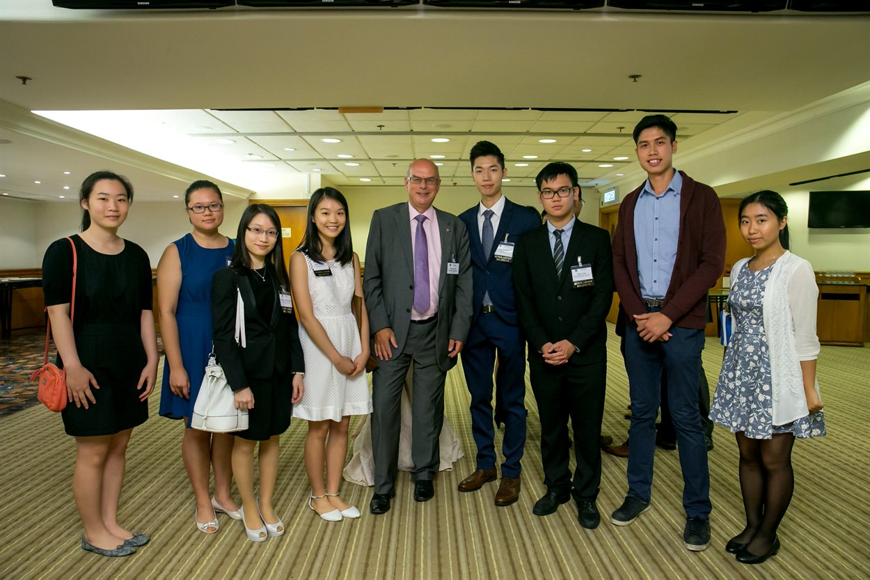 Hong Kong Outstanding Achievement Award Winners 2015 with the Vice Chancellor